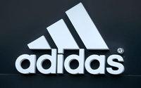 Adidas pugna con la RFEF por seguir vistiendo a la Selección, pero el proceso se alarga