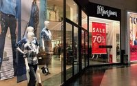 Five high street shops closed every day in 2016 but final quarter shows improvement