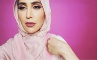 Hijab model pulls out of L'Oreal campaign over Israel tweets
