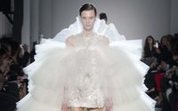Giambattista Valli is going around in circles