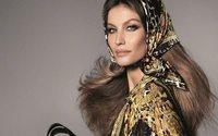 """Versace reune a su """"super-familia"""" para celebrar los 40 años de la casa"""