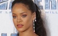 Rihanna si cimenta nella creazione di biancheria intima