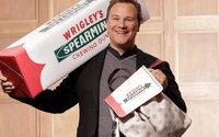 Guido Maria Kretschmer designt XXL-Rucksack für Wrigley's Spearmint