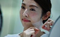 Cosmétiques : un spray créant un masque en nanofibres lancé par le japonais Kao