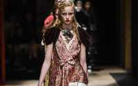 La moda femminile unifica saloni e sfilate a Milano