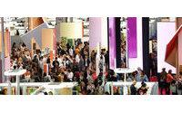 Ministro da Economia visita empresas portuguesas em feira de moda em Paris