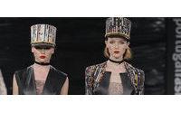 Portugal Fashion: A moda pelas peças de Buchinho inspiradas nos anos 80