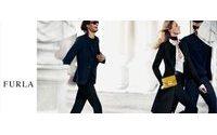 Furla: Mario Testino firma la nuova campagna con la top model Anja Rubik