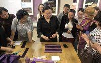 Тувинки смогут заниматься пошивом этноодежды в этноковоркинге «Центр Азия»