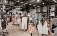 Bershka reabre una tienda imagen en A Coruña basada en un escenario musical