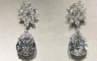 Pear-shaped diamond drop earrings seen fetching $20-30 mln at auction