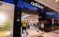 Adidas factura cuatro veces más que Nike en Colombia