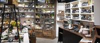 LUSHが国内最大規模の店舗を原宿にオープン、ナチュラル基調な空間へ刷新
