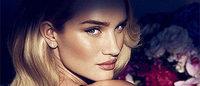 Рози Хантингтон-Уайтли появилась в рекламе своего нового аромата