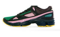 Raf Simons desenvolve tênis para a Adidas