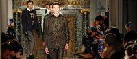 PFW: Valentino, cappottini e linee essenziali