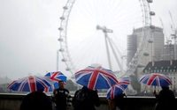 Pound's fall boosts London's appeal to tourists - study