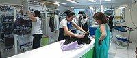 Reparos e customização de vestuários crescem em rede de lavanderias