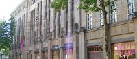 Aachener Grundvermögen erwirbt Karstadt-Gebäude in Karlsruhe