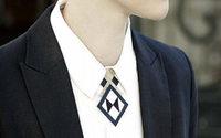 Kol Paris, la griffe de bijoux qui habille les encolures de chemises
