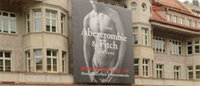 Abercrombie Q4 comparable sales fall, profit tops view