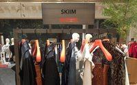 Skiim dévoile son univers dédié au cuir au Bon Marché