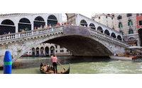 Рензо Россо финансирует восстановление венецианского моста