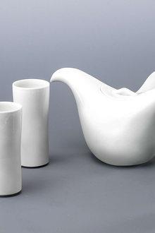 A Taste Of China Design Around The Table Jeff Dayu Shi Water Caltrop Teapot Set