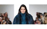 Top models em evidência desfilam Michael Kors em Nova Iorque
