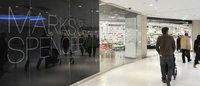 Marks & Spencer : l'habillement sort un peu la tête de l'eau