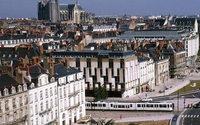 Le Premier ministre suspend la publicité sur les trottoirs à Nantes et Bordeaux