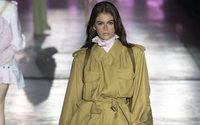 Alberta Ferretti в первый день Недели моды в Милане: сафари-акценты и дух странствий