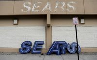 U.S. bankruptcy judge approves sale of Sears to Chairman Lampert