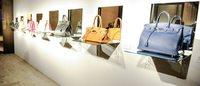 Jeff Koons把爱马仕包变为艺术品 助力慈善事业
