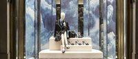 Un Paesaggio pittorico 'sospeso' per le vetrine di Natale di Prada