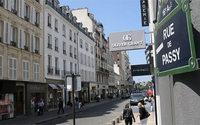 A Paris, la chute des géants du textile redessine le marché de l'immobilier commercial