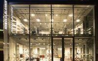 Manolo Blahnik abre su primera flagship store japonesa en Tokio y lanza su línea masculina
