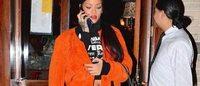 Da Rihanna a Anne Wintour, i vip tornano al flip phone