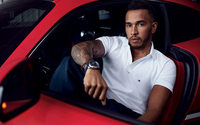 Brit F1 champ Lewis Hamilton signs to Tommy Hilfiger