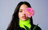 Inditex ficha a la cantante Rosalía para diseñar una colección de Pull&Bear