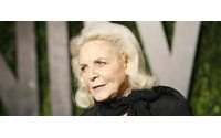 Actress Lauren Bacall remembered as Hollywood icon, legend