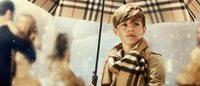 Burberry: la campagna con Romeo Beckham fa crescere i profitti