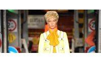 Las transparencias y tonos flúor se adueñan del segundo día de la Moda Milán