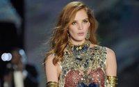 Victoria's Secret Fashion Show's fiery redhead