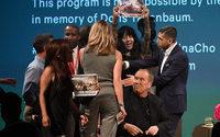 Michael Kors tancé par des militants anti-fourrure
