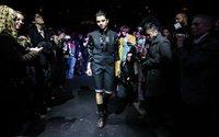 Diseñadores LGBT muestran sus creaciones en la Semana de la moda de N.York