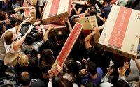 ShopperTrak: Black Friday foot traffic slower than last year, online sales up 17%