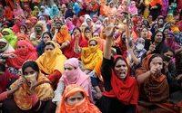 Bangladesh : nouveaux heurts autour des hausses de salaires dans le textile