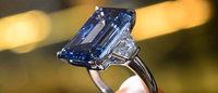 拍卖史上最大蓝钻以 5760万美元成交,刷新全球最贵珠宝拍卖纪录