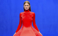 Balenciaga renoue avec la Haute Couture